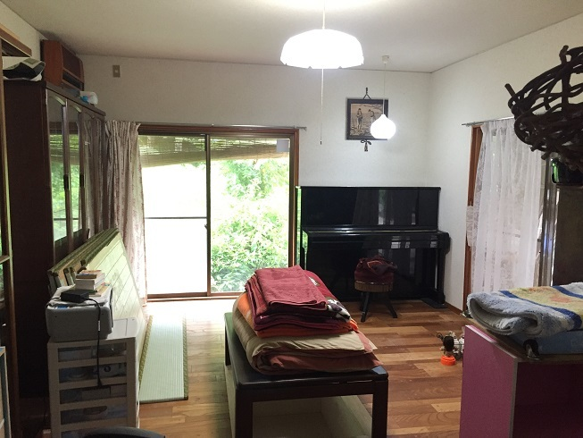 2面採光の10帖の洋室は、窓から涼しい風が吹き抜けるさわやかな1室です。