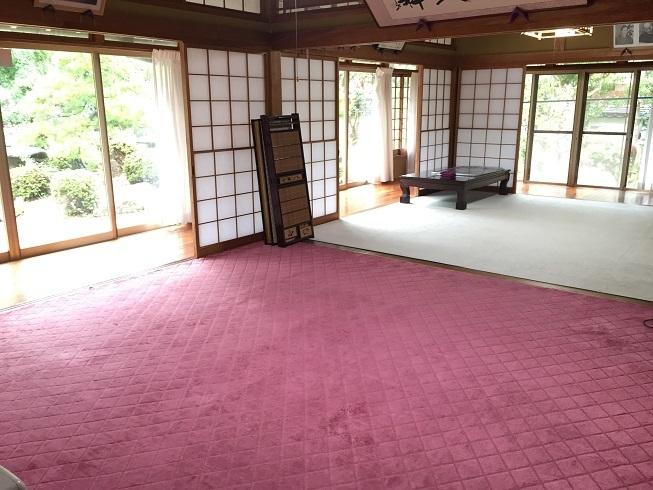 2間続きの8帖の和室は、いろんな角度から庭を眺めることができ、まるで料亭のような雰囲気。