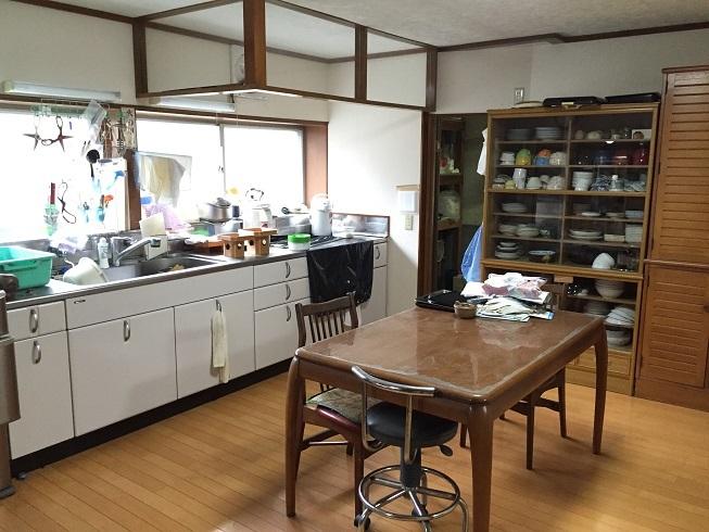 キッチンには土間収納が併設されており、パントリーとしても使用可能♪