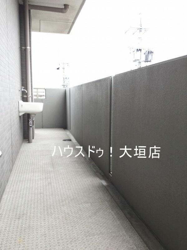 2016/08/29 撮影  西側 バルコニー