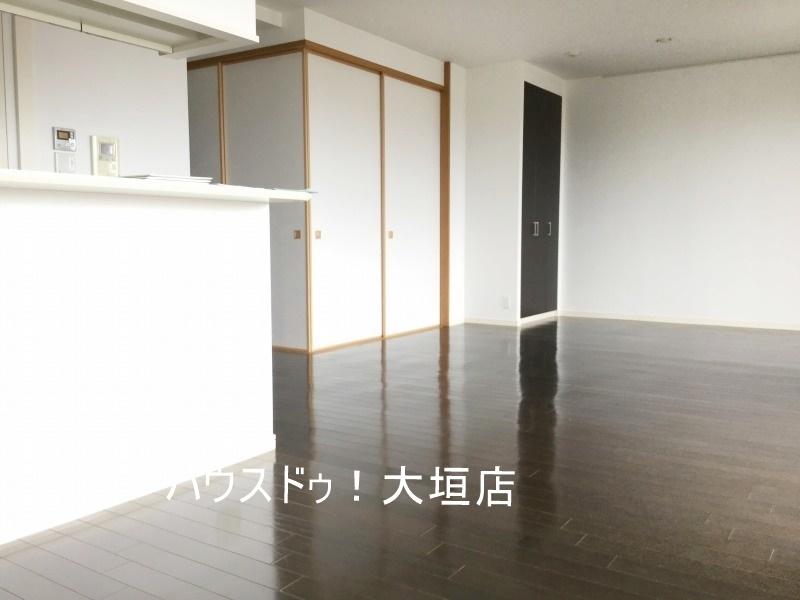 和室は扉を閉めればリビングがスッキリします。