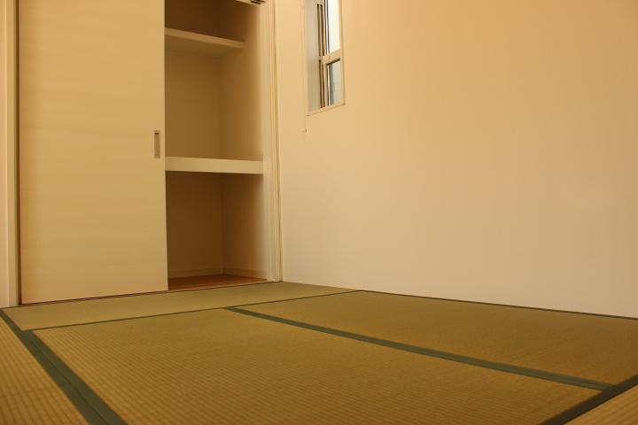 6.5帖和室 襖を開けてLDKと合わせて広々利用にも、来客用のお部屋にも…