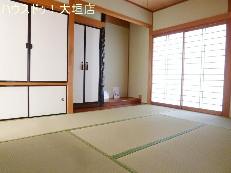 リビングに隣接された和室は玄関から直接出入りできるので、急なお客様にも便利です。