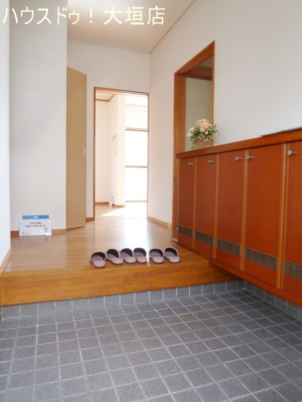 お客様を気持ちよくお迎えできる玄関。