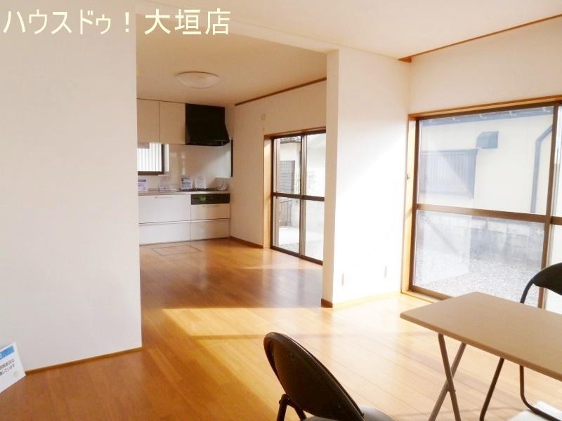 和室を洋室へリフォーム。ダイニングと繋がり広々とした空間に。