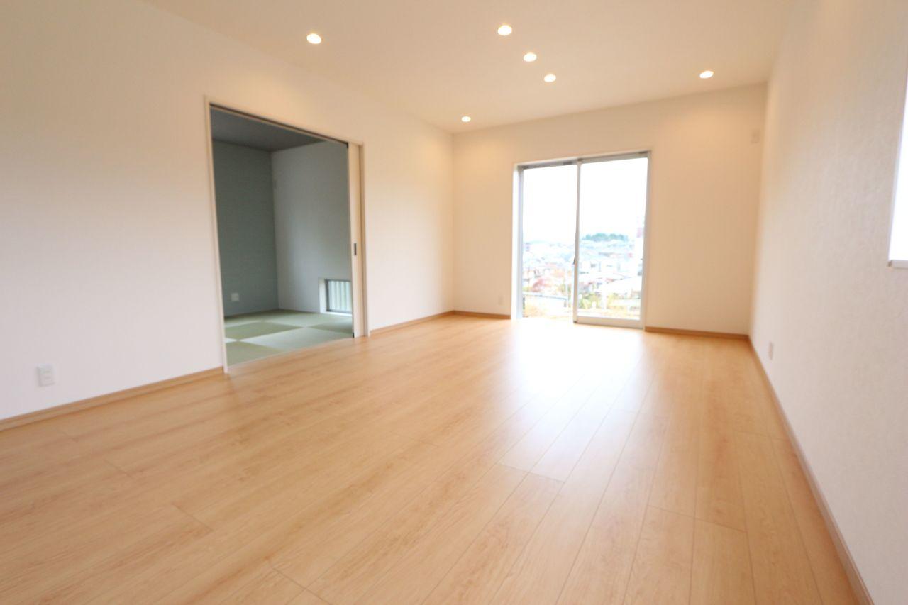 和室を合わせて24帖の大空間! ご家族皆様でゆったりおくつろぎ頂けます。