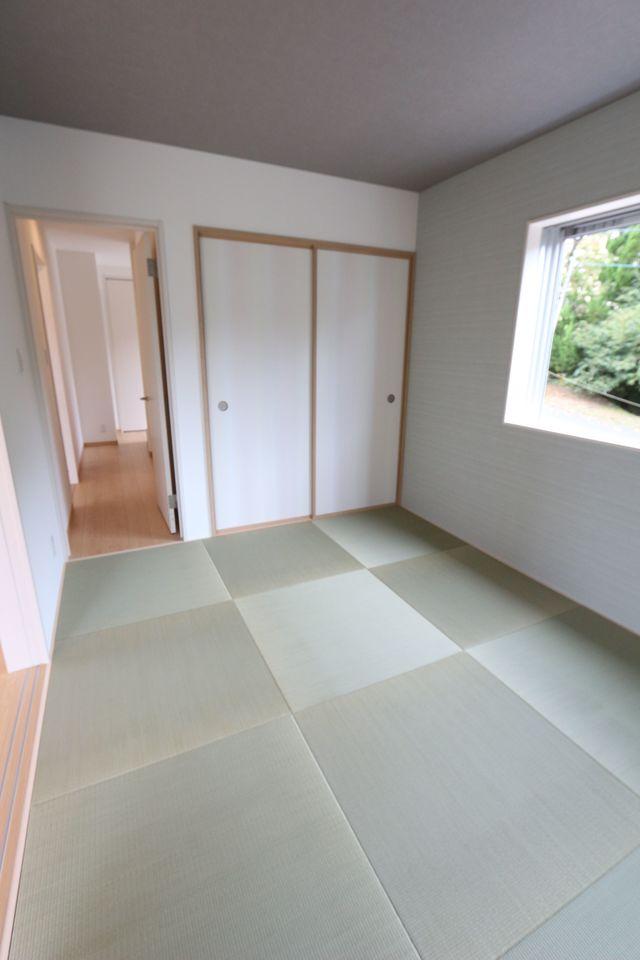 6帖の和室には押入があり、 客間としてもご利用頂けます。