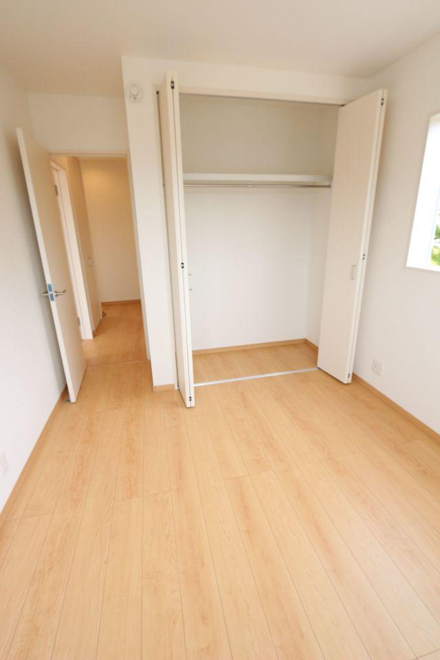 2階には4部屋の洋室があり、 大家族様でも安心です。