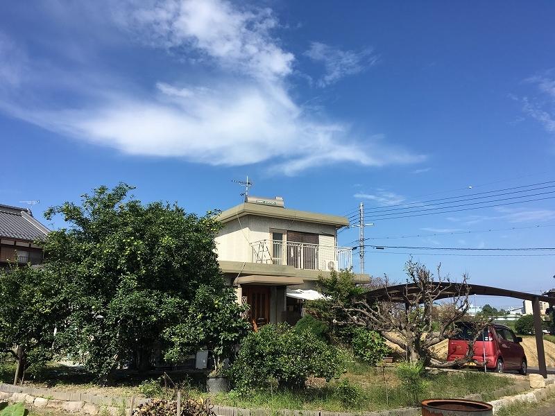 小津小学校まで徒歩11分(約810m)