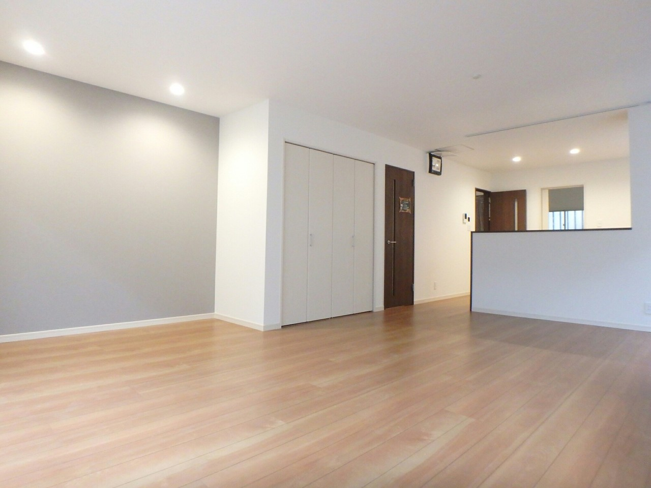 1階の和室二間を解体中。 どのようなリビングになるか楽しみです。