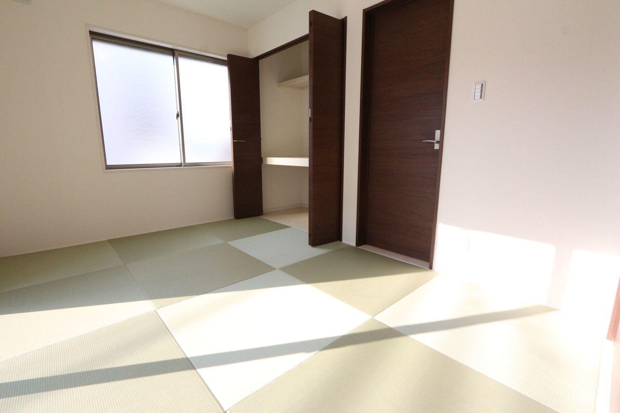 琉球畳を採用し、モダンな雰囲気に