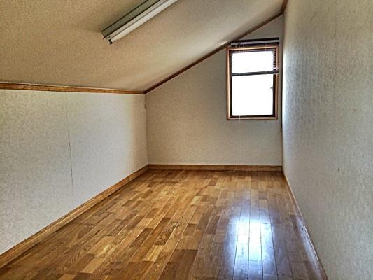 3階 屋根裏部屋