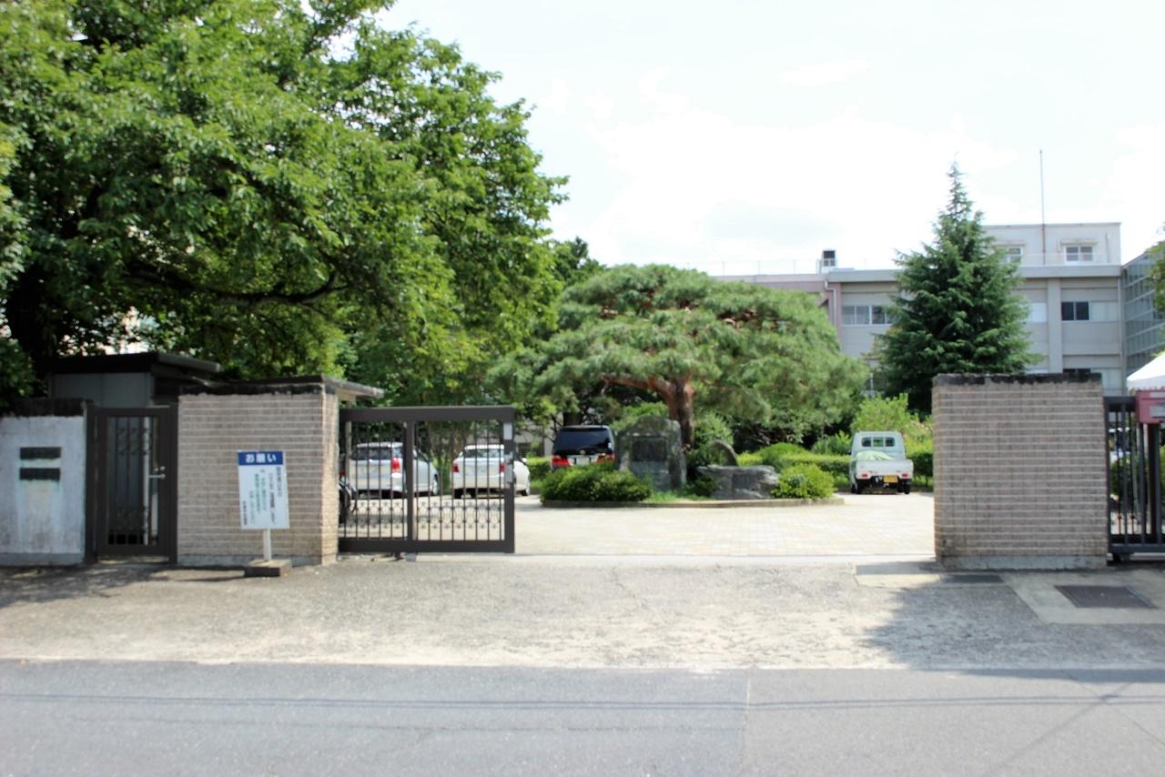 滋賀大教育学部付属幼稚園・小学校・中学校まで1853m