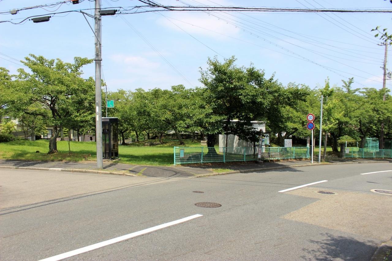 鶴の里公園まで100m