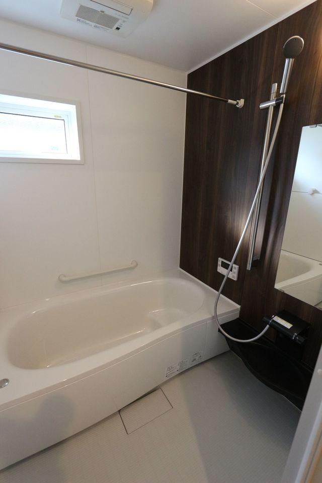 浴室乾燥機を備え雨の日の お洗濯も安心です。