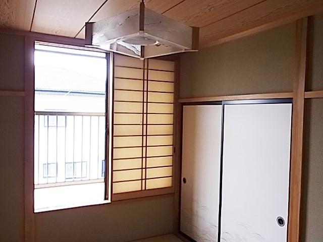 2F 6畳和室です