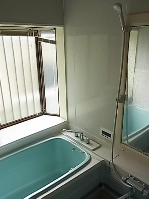 綺麗な浴室です