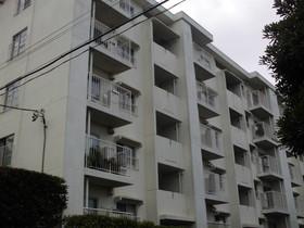 【外観写真】 ホワイトで統一された外観のマンションです!