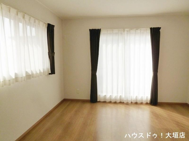 日当たりの良い室内。