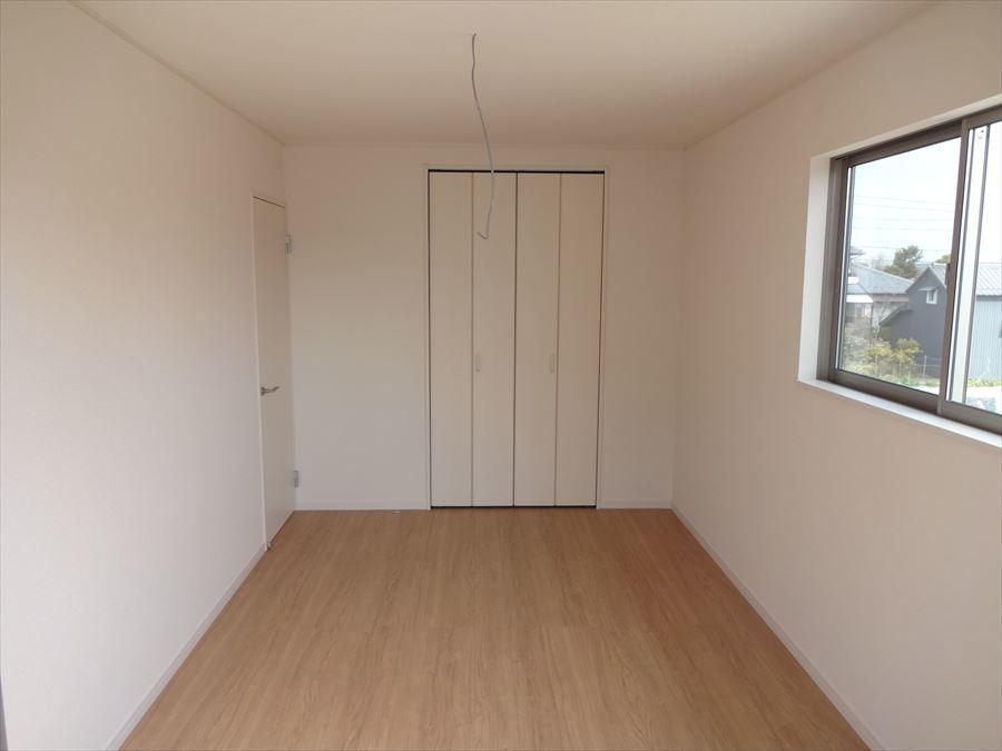 収納スペースも完備された洋室は、子供部屋としても、寝室としてもお使い頂けます