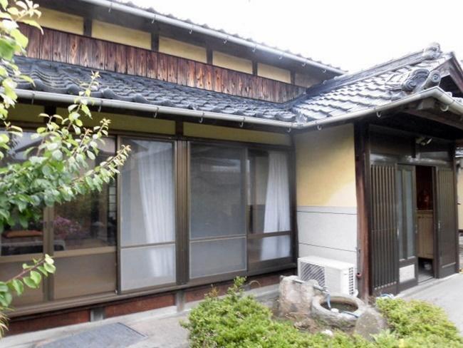 【外観写真】 趣のある純和風建築の古民家です。 古民家好きにオススメですね。