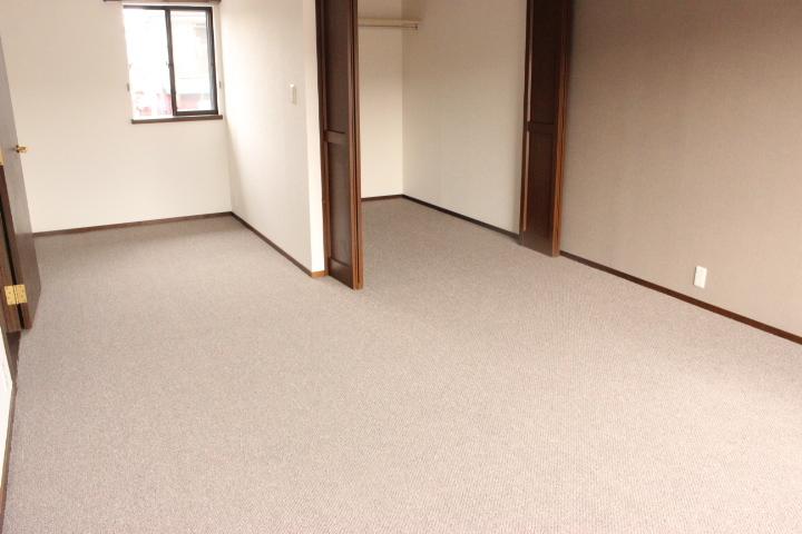 2階洋室は13帖のゆとりあるお部屋