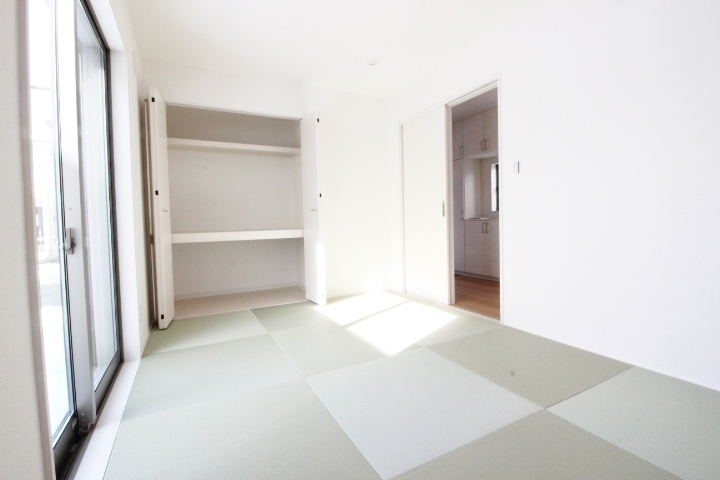 やっぱり和室も必要ですよね。客間としても家事・育児スペースとしてもマルチにご使用していただけます♪