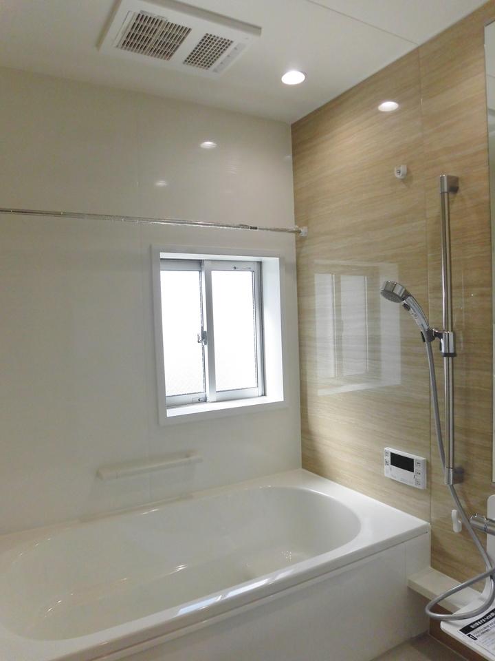 浴室暖房換気乾燥機付なので冬でもポカポカです。