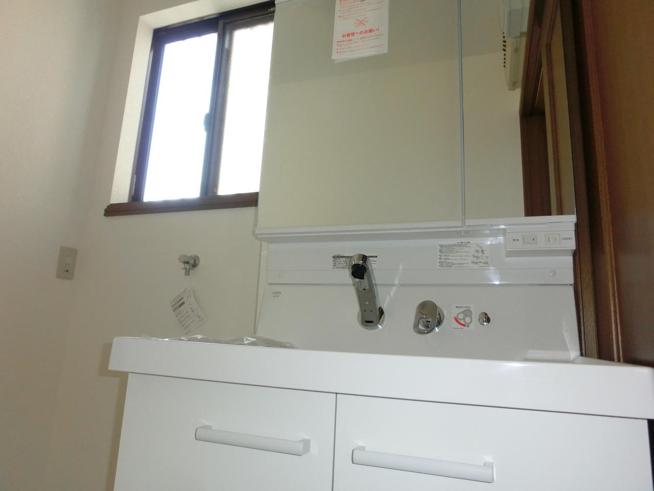 洗面台も新調しています。