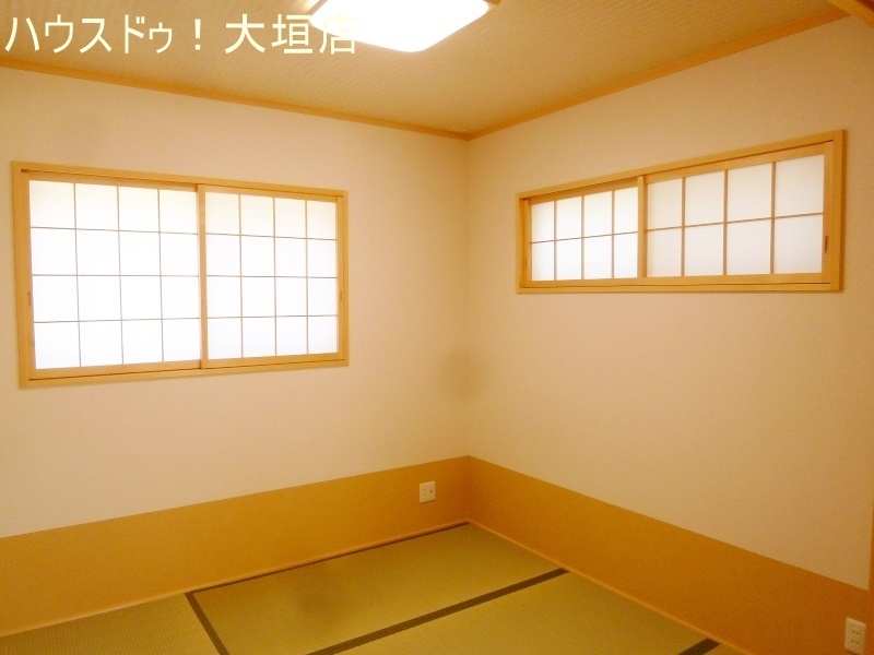 リビングと隣接する和室は独立型にもなるので、急なお客様にも対応できます。