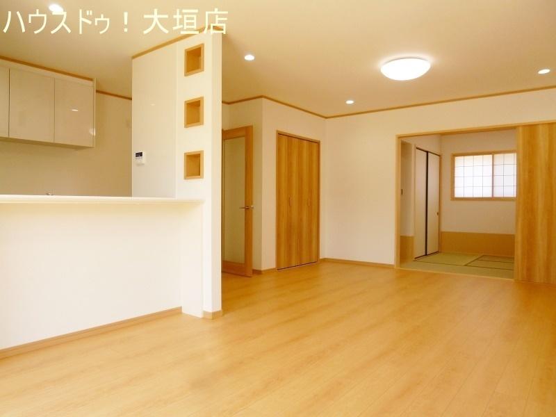 和室と繋がり広々とした空間に。