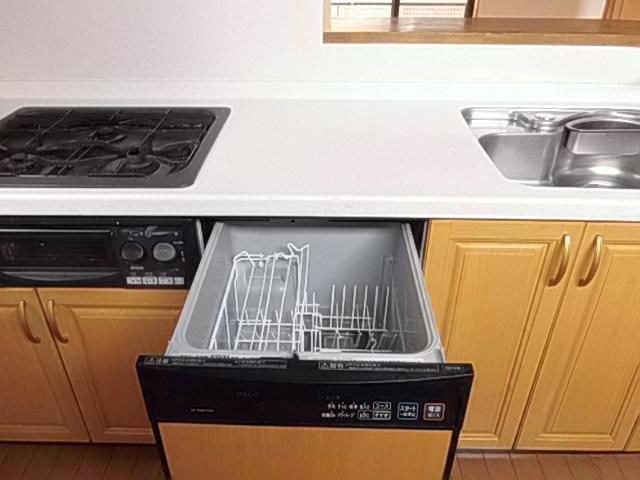 後片付けもスムーズに 主婦の味方!食器洗乾燥機付きです