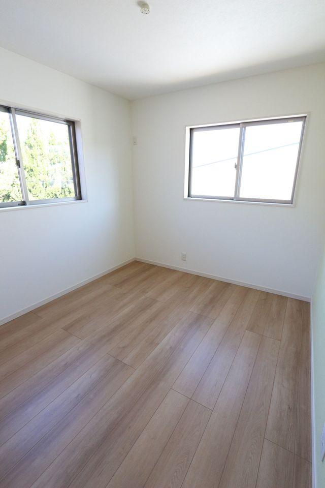 2階洋室は 全室フローリング貼です。