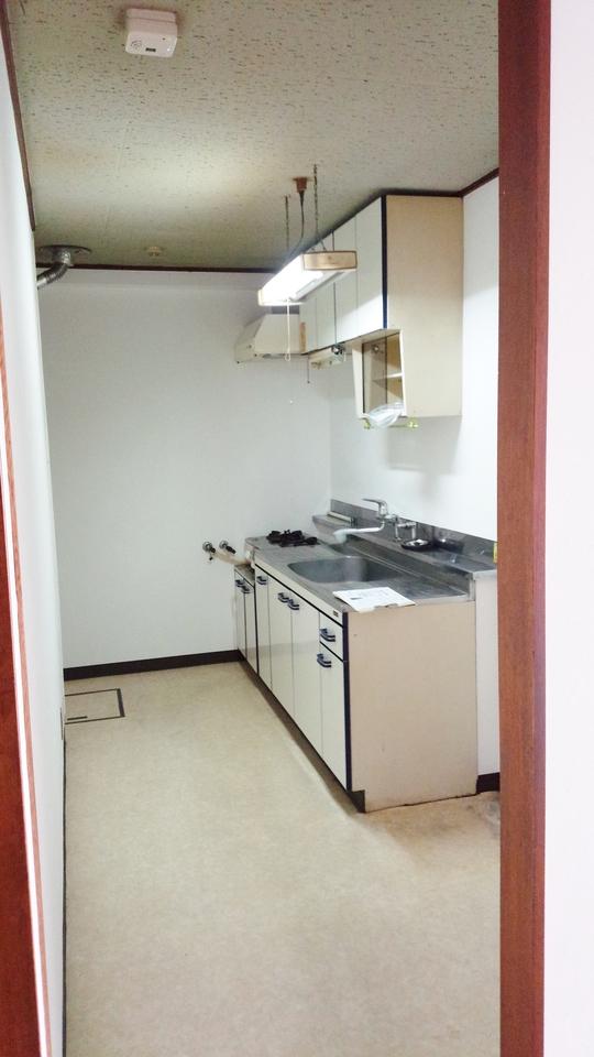 横には冷蔵庫スペースがあります