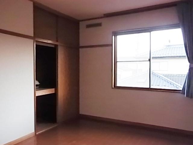 物入れ付の2階洋室