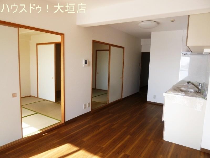 リビングは和室2室とつなげれば約21帖になります。