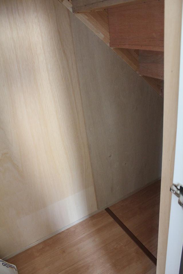 リビングに便利な階段下収納付き 2017/7/16撮影
