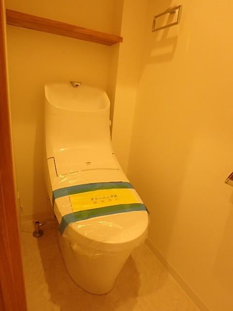 ウォシュレット機能付きのトイレ