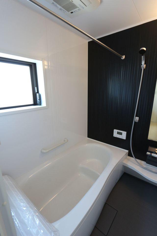 浴室乾燥機・追い焚き機能完備。