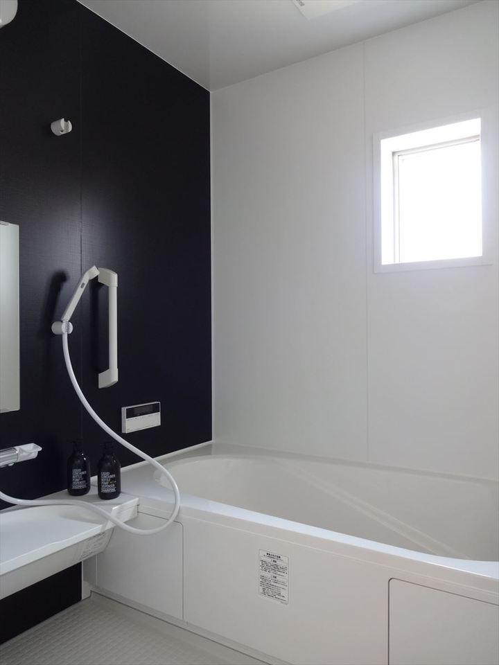 清潔感があり、お手入れしやすい浴室です。ゆったりとしたバスタイムをお楽しみ頂けます♪