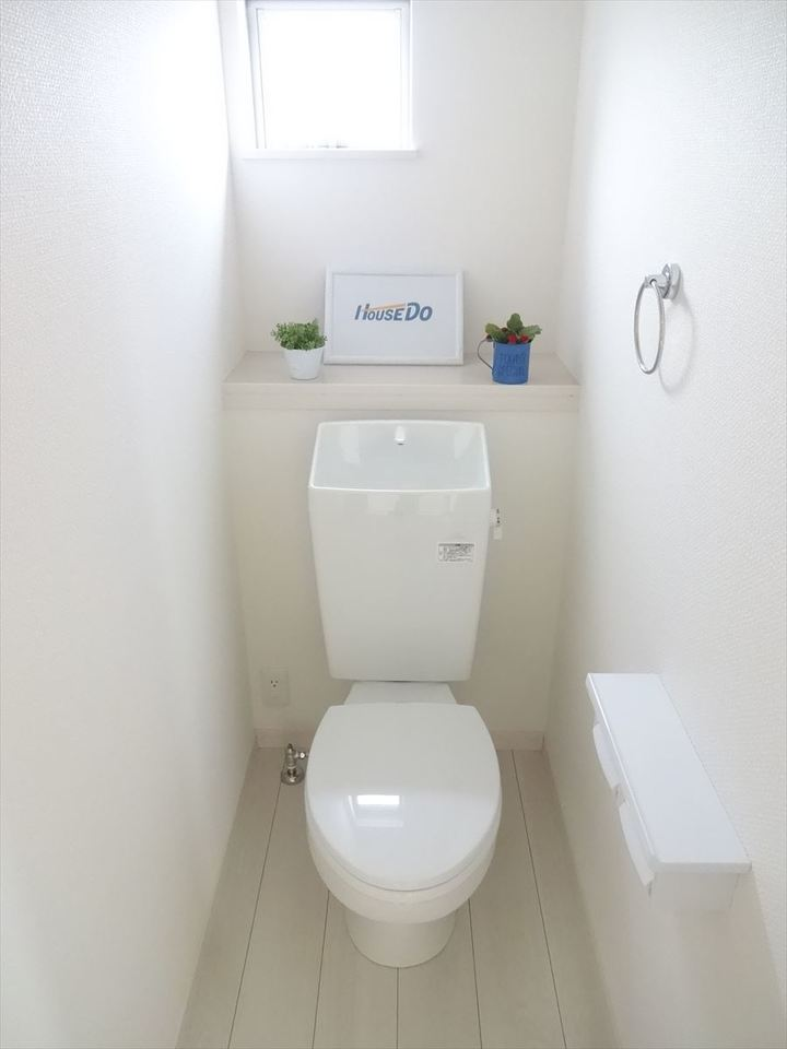 明るく清潔感のあるトイレ♪