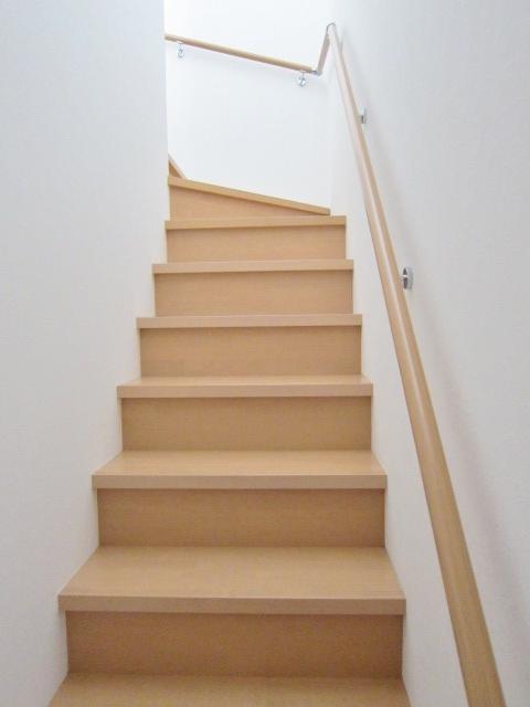 手すりのついた階段