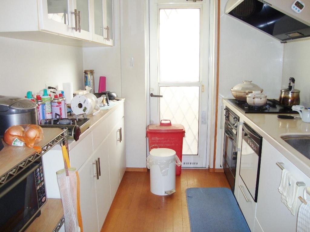 収納スペースもたっぷりなカウンターキッチン