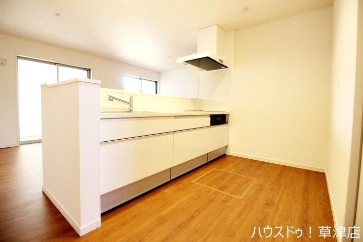 お手入れしやすいシステムキッチン。毎日の家事も楽しくできそうですね♪