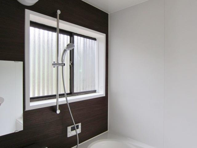 大きな窓の浴室