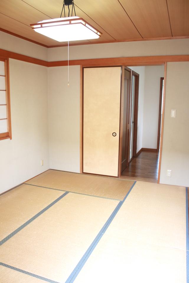 2階にある6帖和室