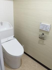 トイレ (H28年12月新品交換済)