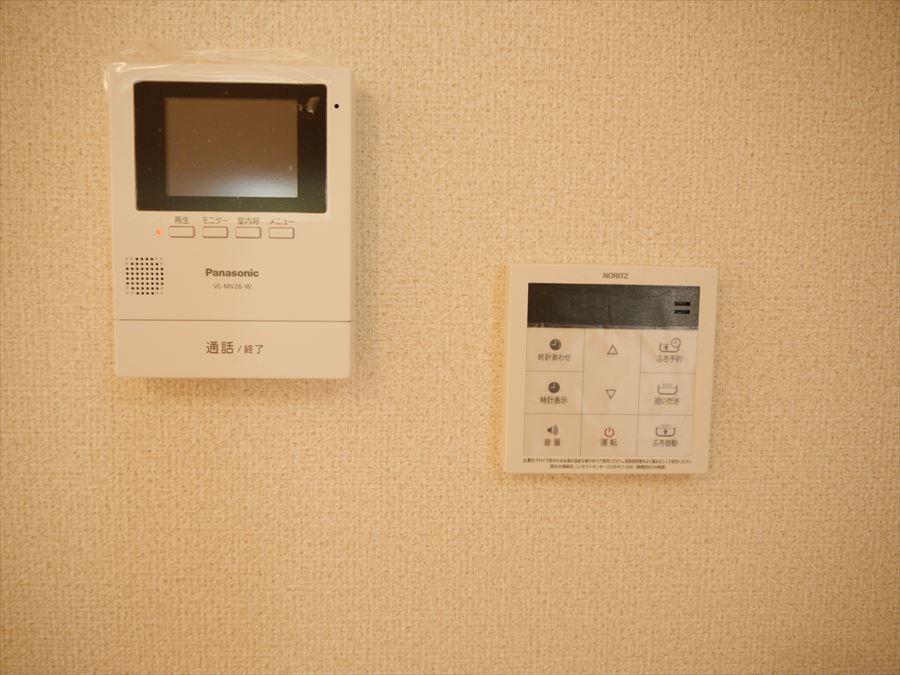 モニターが付いていますので、家の中からチェックでき、防犯面で安心できます。