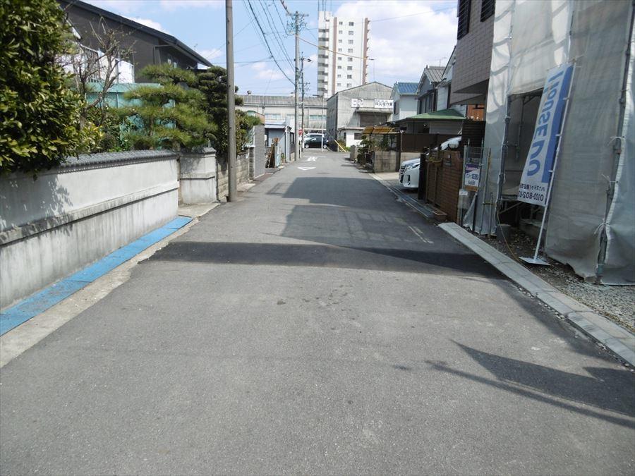全面道路は約5.5mあります(^^)