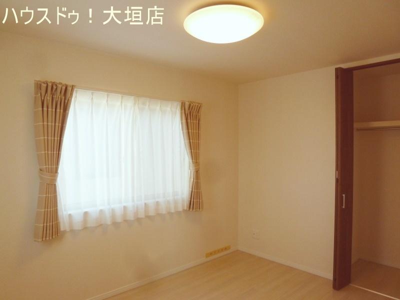 2方向からの光が北側の室内を明るくしてくれます。